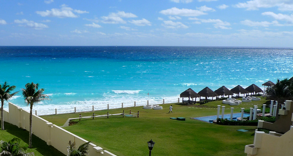 Roundtrip Airport Transfers for Cancun and Puerto Juarez Image Gallery